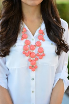 How to wear statement necklaces melancholicmagpie for Words to wear jewelry